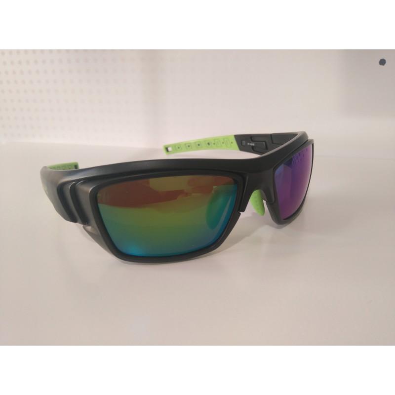 STY 02 Black/Green graduada con lentes fotocromaticas