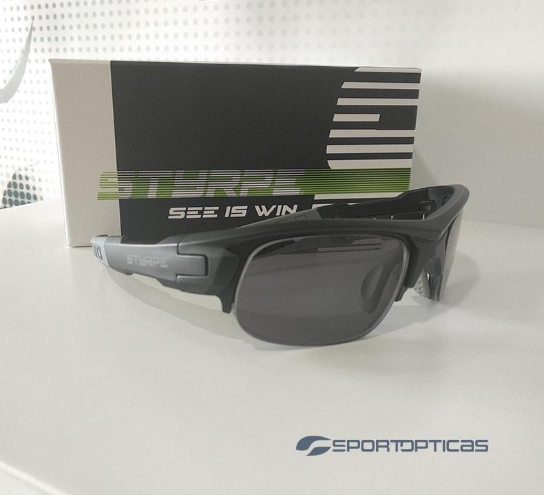 Ejemplo Styrpe Sty 03 Black/Grey graduada con lentes Smoke.