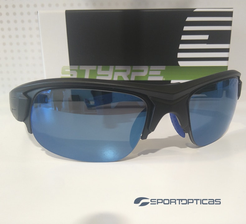 Ejemplo Styrpe Sty 03 Black/Bue graduada con lentes Blue